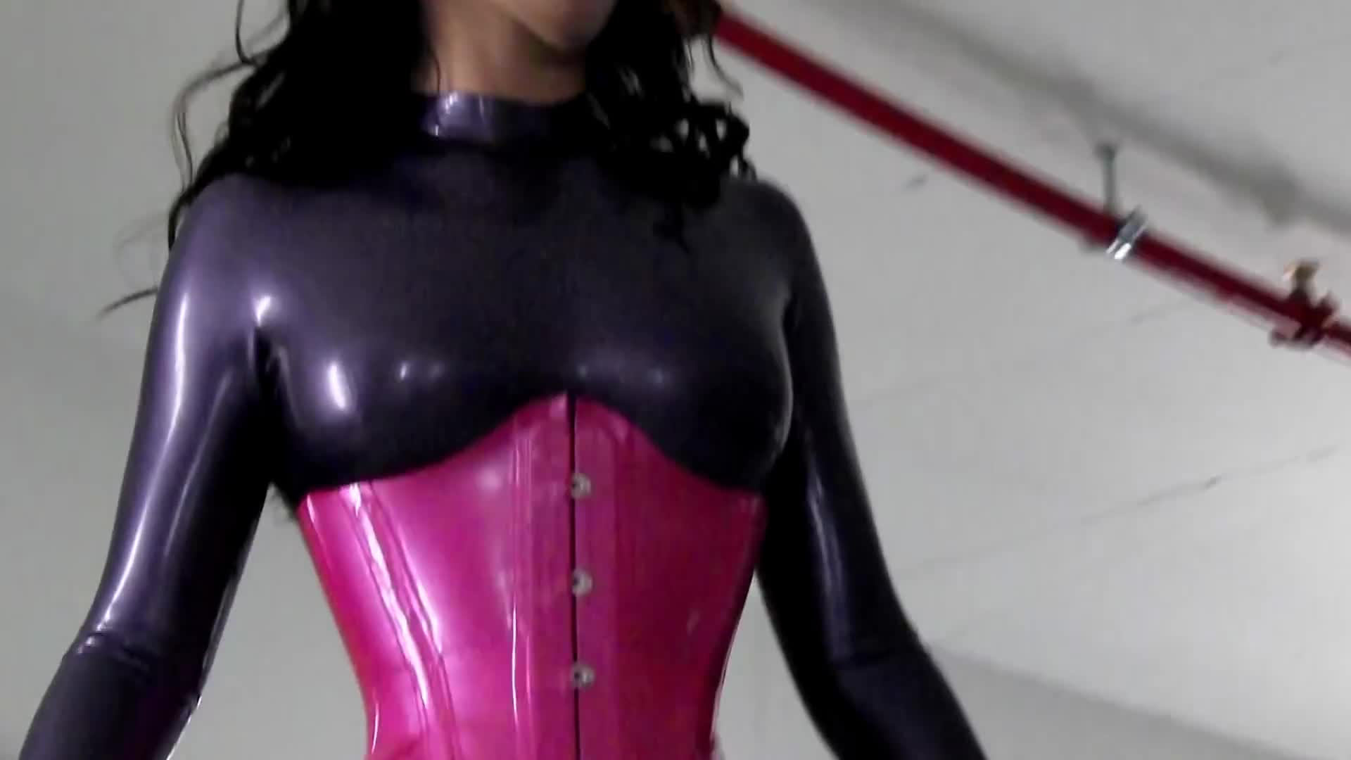 Amateur Latexmodel Shooting